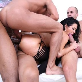 Veronica Avluv takes three big cock in her loose ass and pussy