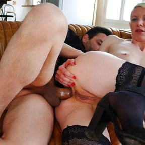 Hot Milf Mia Wallace loves herself some good Anal sex