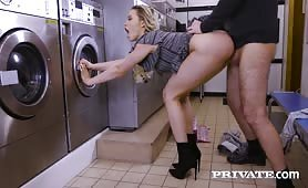Mia Malkova, horny in the laundrette