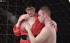 Slutty mature broad Ryanne aka Geogrina C catching a toy boyfriend in the bathroom
