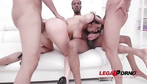 Crazy cougar Veronica Avluv drinking piss and double fucked in all holes