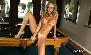 Brandi Love toying her twat