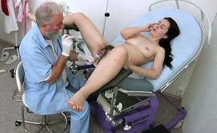 Di Devi - hairy pussy closeup and real gyno exam